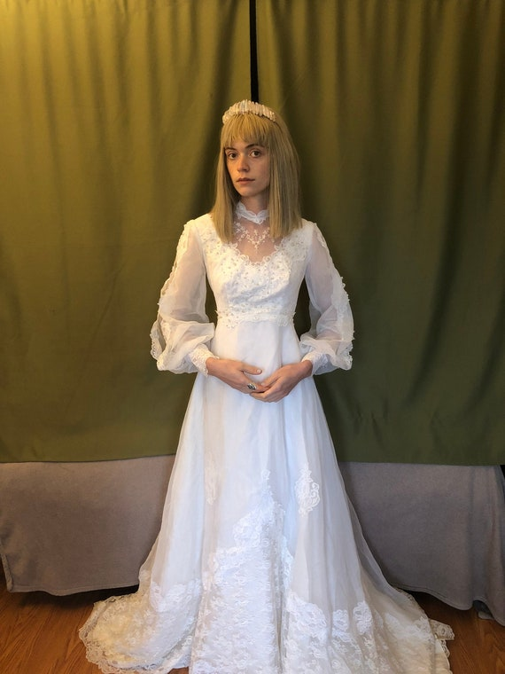 Dreamy 1970s vintage wedding dress