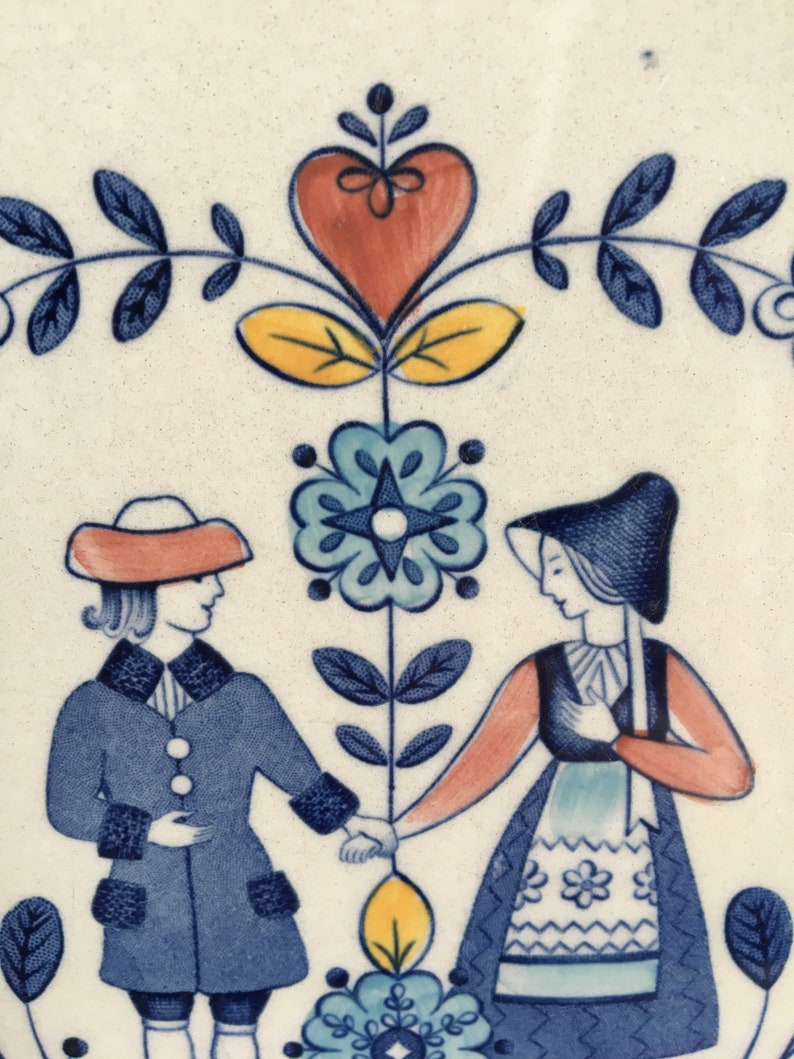 Vintage Johnson Brothers Hearts and Flowers 10\u201d Dinner Plate with Folk Couple Holding Hands