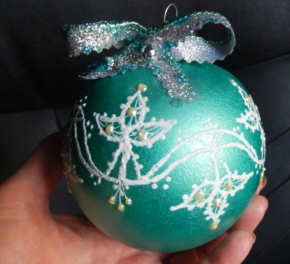 Ball Christmas Tree Decorations,Unique Hand Painted 3 D Lace imitation,Non-Breakable,Non-Glass,Non-Toxic acrylic paint,Exclusive drawing