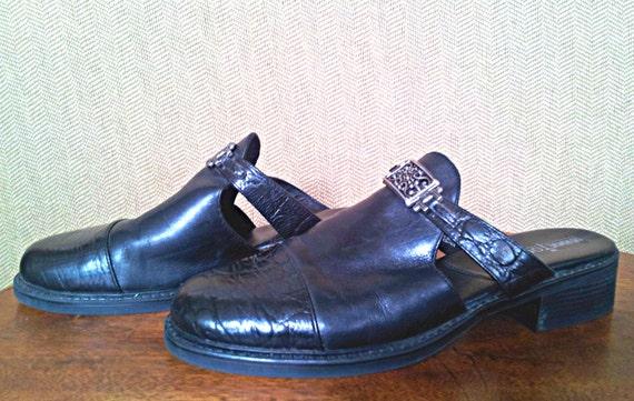 90s Black Leather Mules Minnetonka Size 7 - image 2