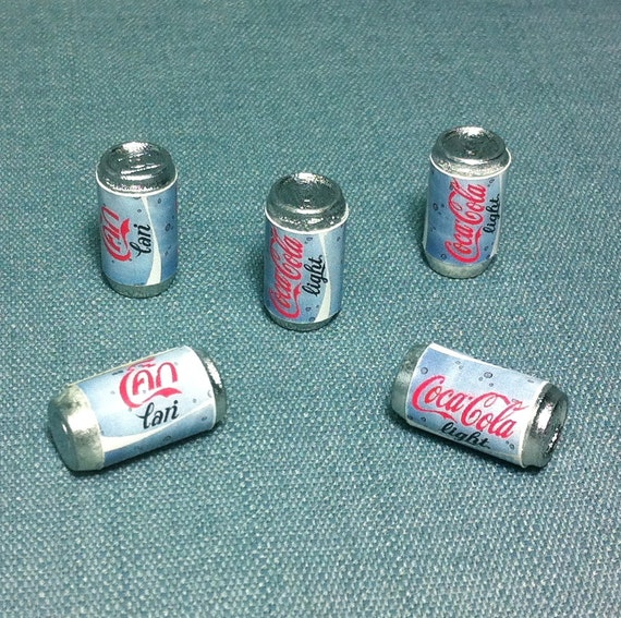5 Miniature Sodas Cans Plastic Drinks Refreshment Soda Grape Can Cute Little Small Dollhouse Supplies Food Drink Jewelry Decoration 112