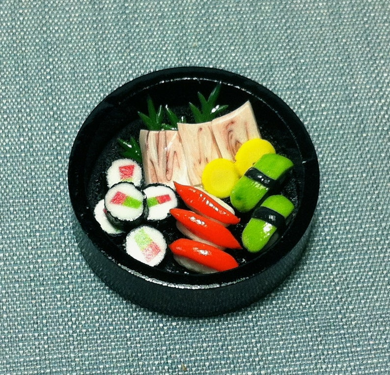 Japanese Sushi Set Miniature Clay Polymer Food Supply Asia Sushis Fish Cute  Small Dish Wood Tray Display Dollhouse Jewelry Supplies 1/12