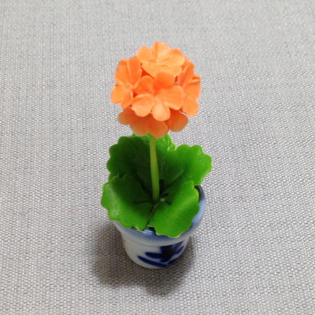 5 Hand Painted Scott  Flower Pots  Dollhouse Miniatures Supply Garden