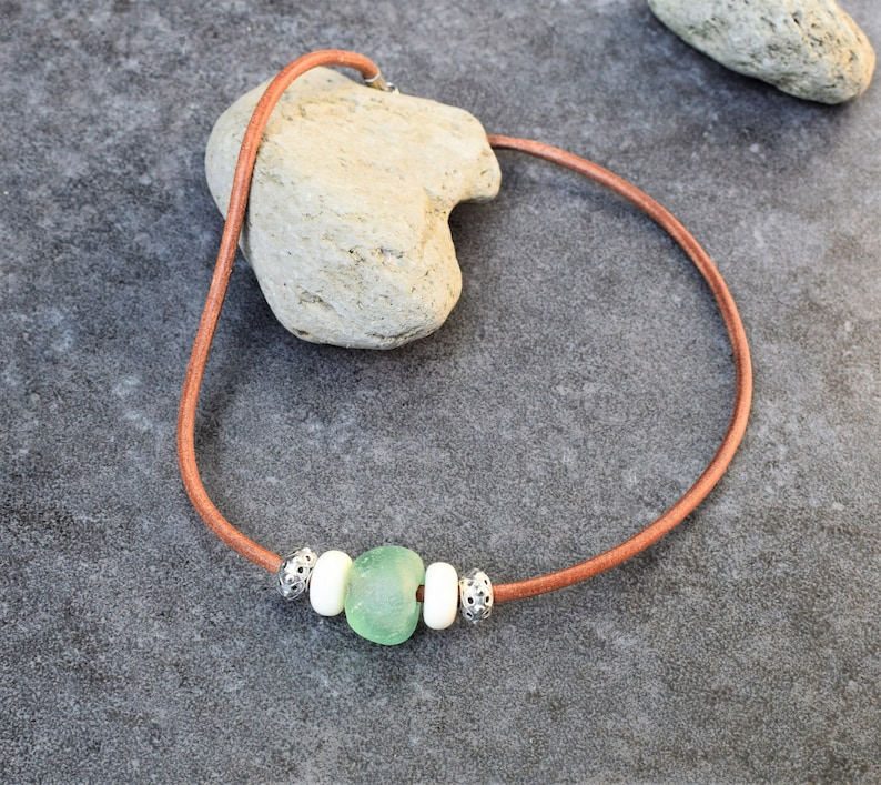 Horn /& Silver Choker Necklace Men Tribal Style Leather Cord Necklace with an African Glass Bead Short Boho Necklace Surfer Jewelry