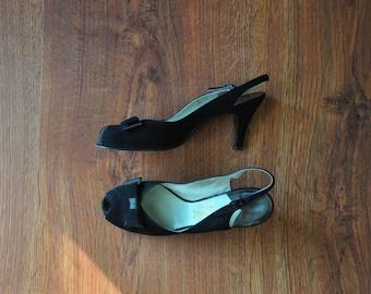 50s black peeptoe heels / 1950s bow slingback heels / vintage suede shoes 7