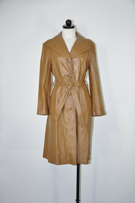 70s caramel leather trench coat / 1970s belted lon