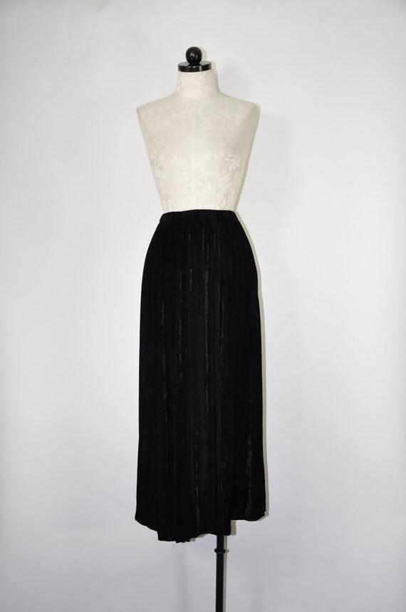 80s black velvet skirt / 1980s crushed velvet skir