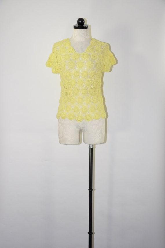60s yellow crochet top / 1960s rosette knit top /
