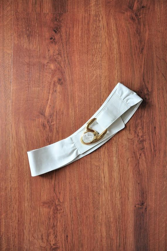 80s white statement belt / 1980s cummerbund / gol… - image 1