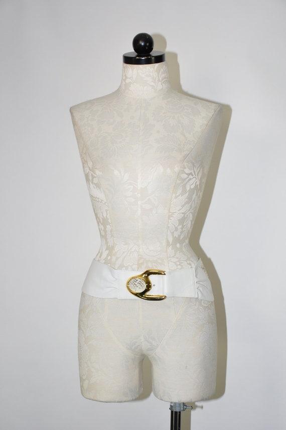 80s white statement belt / 1980s cummerbund / gol… - image 5