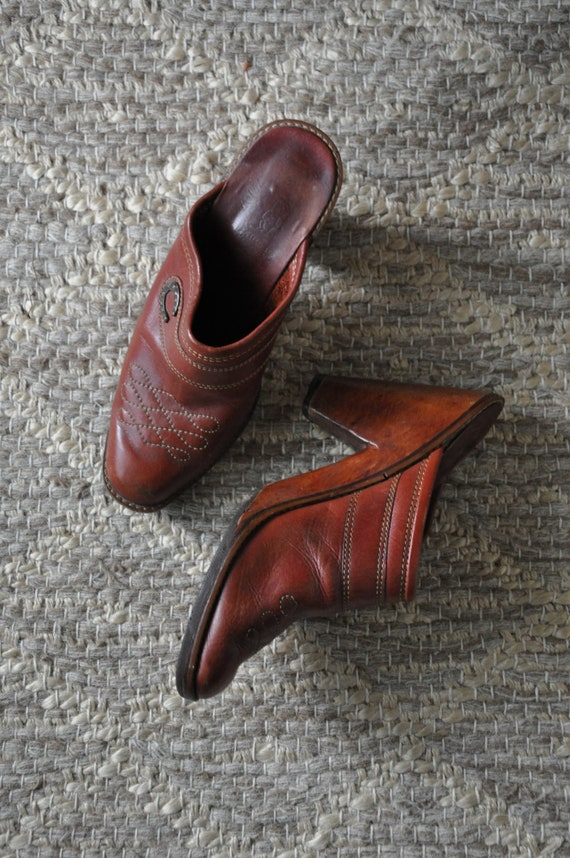70s wood platform clogs / 1970s western leather mu