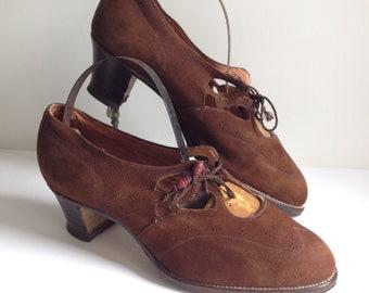a3afad100f Chaussures des années 30 - Pointure 36,5 - Chaussures en daim 1930s -  Neuves avec Topy - Vintage - 30s - Thirties