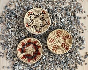 Mini Southwest Boho Baskets - Set of 3 // Palm Leaves, Wall Decor, Handwoven Catchall, Flat Basket, No. 1038