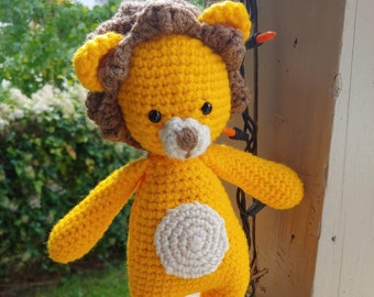 Cuddle Me Lion amigurumi pattern - Amigurumi Today | 270x340