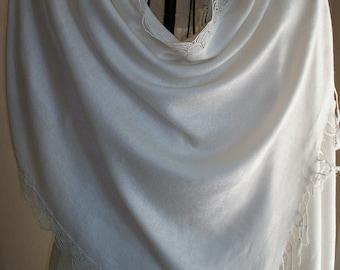 White pashmina shawl, pashmina/silk shoulder wrap, shawl with lace trim