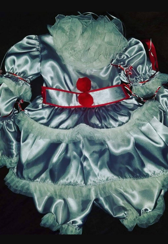 IT, Pennywise, Stephen Kings Pennywise, Pennywise Costume, Pennywise Cosplay, Childs Pennywise, Girl Pennywise, Hot Pennywise, Pennywise Set