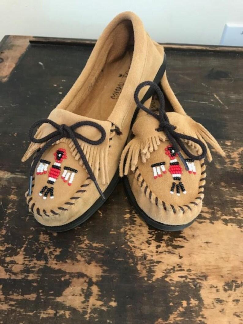 10c60da90341 Minnetonka Moccasins 9 Moccasin Shoes Tan suede Leather