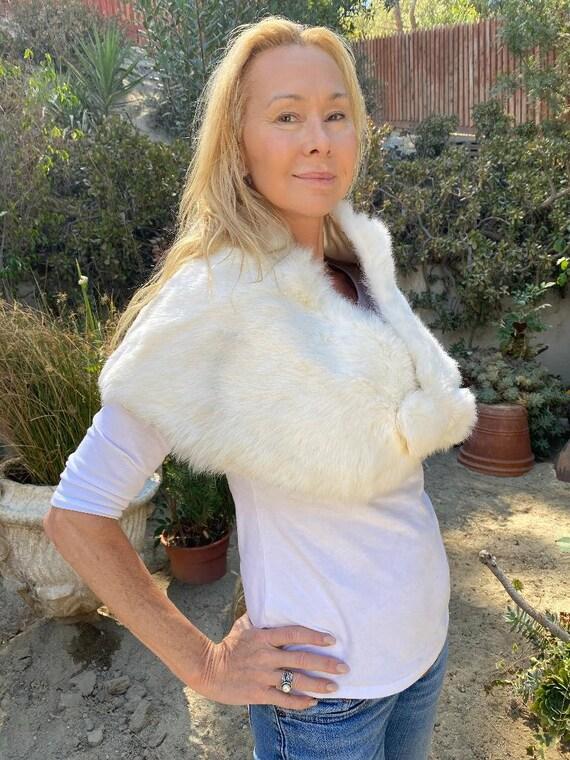 White Fur Stole, Vintage Stole, Shoulder Wrap, Ra… - image 4