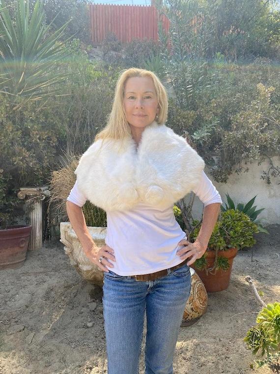 White Fur Stole, Vintage Stole, Shoulder Wrap, Ra… - image 1