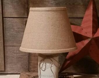 White Mason Jar Lamp, Mason Jar Lighting, Mason Jar Gift. Rustic Lamp, Small Table Lamp, Farmhouse Lamp, White Farmhouse Decor