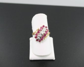 10kt Yellow Gold Ruby and Diamond Ring 3 grams
