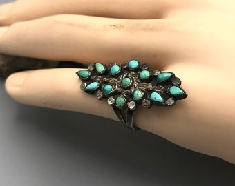 Size 5 34  Vintage Fred Harvey sterling silver and four-stone turquoise elongated column ring with stamped detail