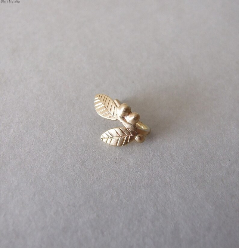Leaves Nose ring Nose Hoop Fake Piercing gold Faux Piercing Nose Jewelry Gold Leaves and Berries Fake Nose Ring Faux Nose Ring