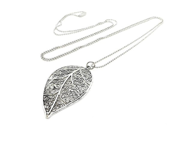 Long Leaf Pendant Necklace / Chain Necklace / Charm Necklace