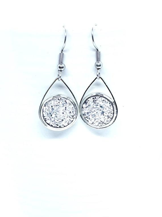 Silver Sparkly Teardrop Earrings / Silver Drop Earrings