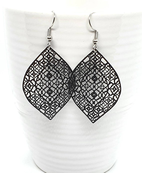 Black Filigree Leaf Earrings / Black Earrings / Leaf Earrings