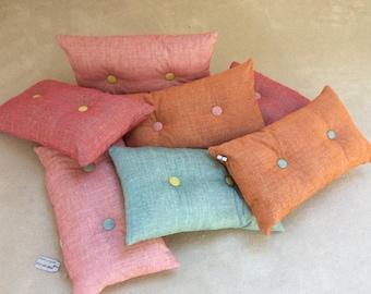 Buttoned cushion 50x30cm