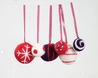 Christmas Baubles Needle Felting Kit - Red & Purple - Felt Baubles Kit - Christmas Craft Kit - handmade christmas - baubles craft kit
