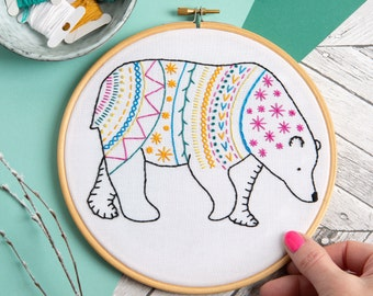 Bear Embroidery Kit, Complete Kit for Beginners, DIY Embroidery Kit, Modern Embroidery, Stitching Craft Kit, Hand Embroidery Kit