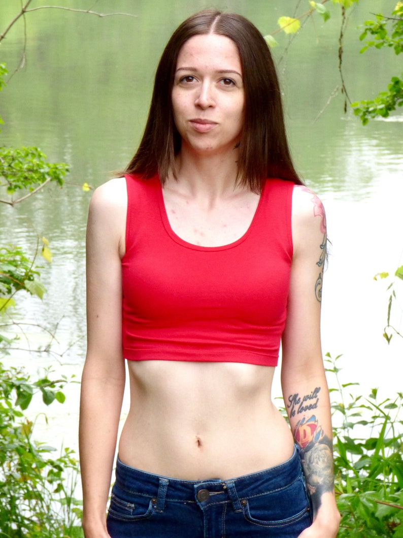 21ae6b475f1 Red Crop Top - Cropped Tank Top - Form-Fitting - Lyla's - Crop Tops For  Women - Cropped Top - Belly Shirt - Belly Top - Tank Top