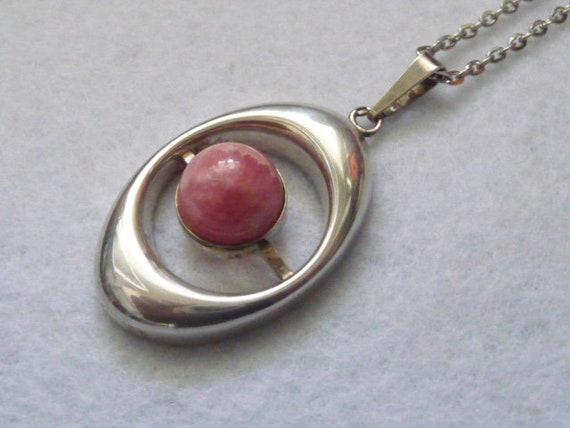 England. Silver and Rhodonite Pendant. Vintage.