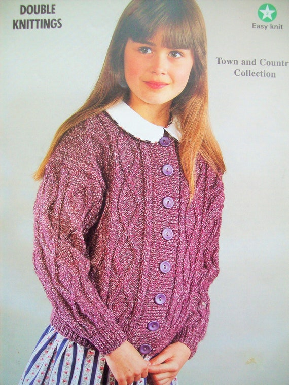 Baby girls boys Cable JUMPER CARDIGAN KNITTING PATTERN DK 16-22in 0-2yrs P838
