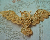 Free standing lacework Owl hair grip.