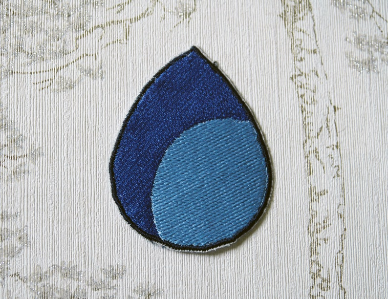 Steven Universe Lapis Lazuli embroidered iron on patch. image 0