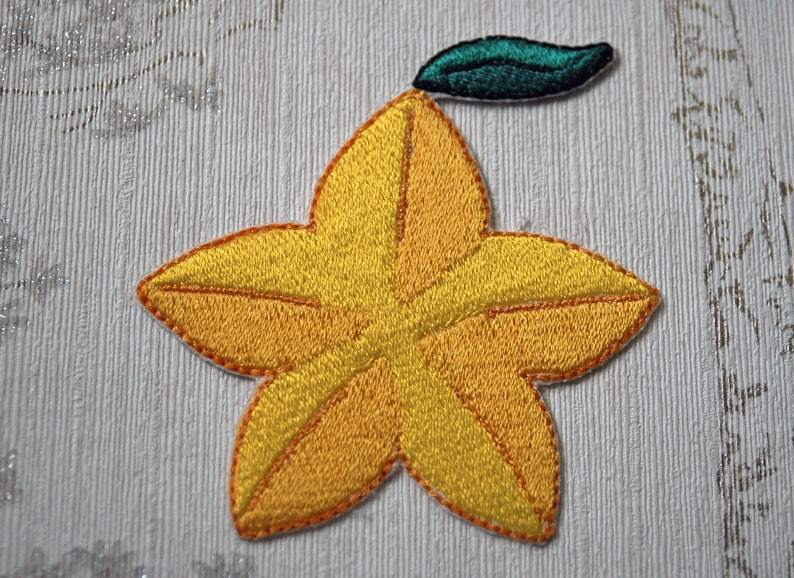 Kingdom Hearts Paopu Fruit embroidered iron on patch. image 0