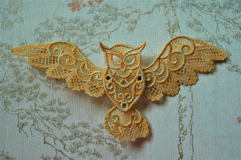 Free standing lacework Owl hair grip. image 0