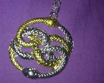 Hanging the neverending story AURYN