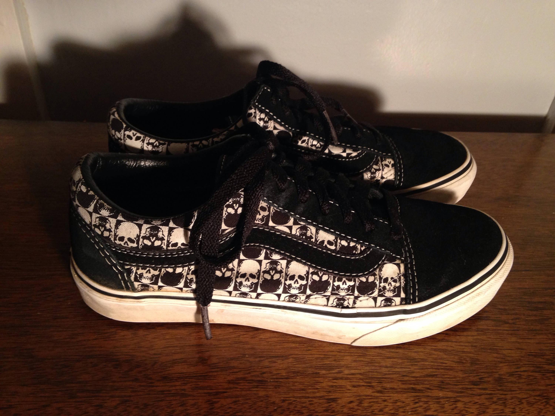 f5645a8c22 vintage vans sneakers black and white skulls unisex mens size