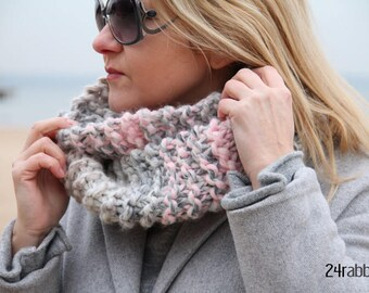 Chunky Cowl Scarf/Knitted Snood/Knitted Cowl/Botton Cowl