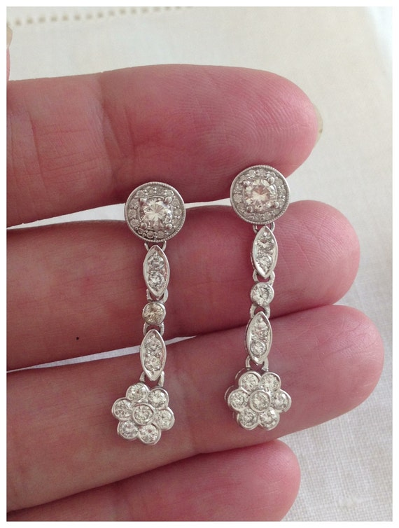 Vintage 1.65 Carat Diamond Dangling Drop Flower 14kt White Gold Pierced Earrings