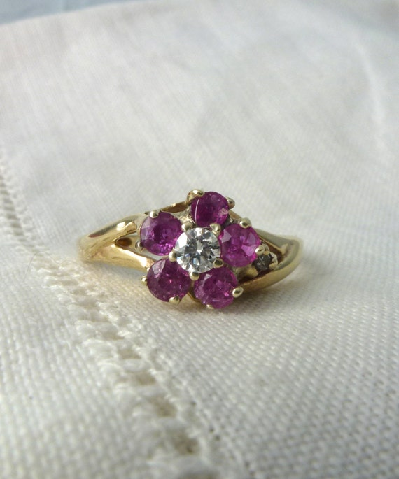 A Natural Pink Sapphire and Diamond Flower Ring in 14kt Yellow Gold - Dianthus