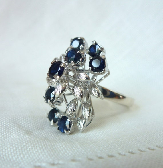A Vintage Natural Sapphire 18kt Gold Cocktail Statement Ring - Chesapeake