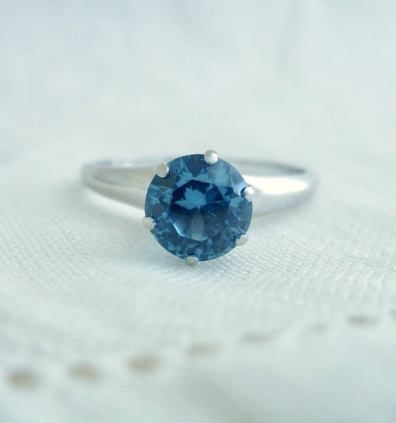 A Vintage Blue Spinel in 10kt White Gold Ring - Gina