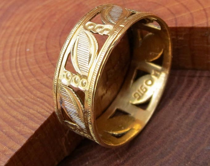 Vintage 22K yellow gold decorative band