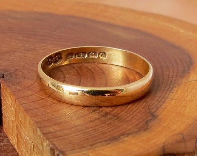 Gold wedding ring, 22k vintage band made in 1979