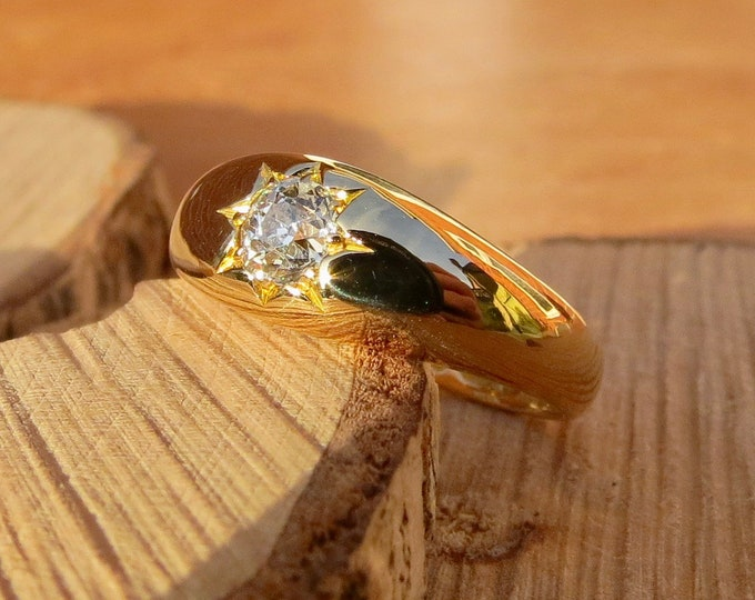 Antique 18K yellow gold old mine cut diamond gypsy ring, made in 1878